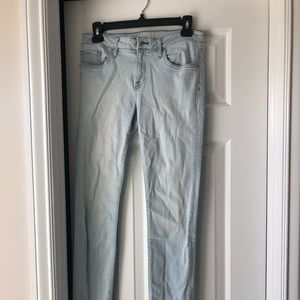 Joie light was jeans size 27